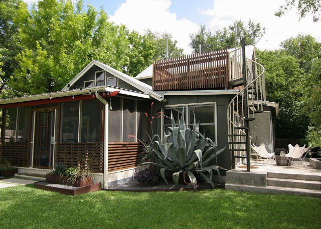 """Zilker Zen"" - 3BR/2BA - Gorgeous, Secluded, Luxurious - Image 1 - Austin - rentals"