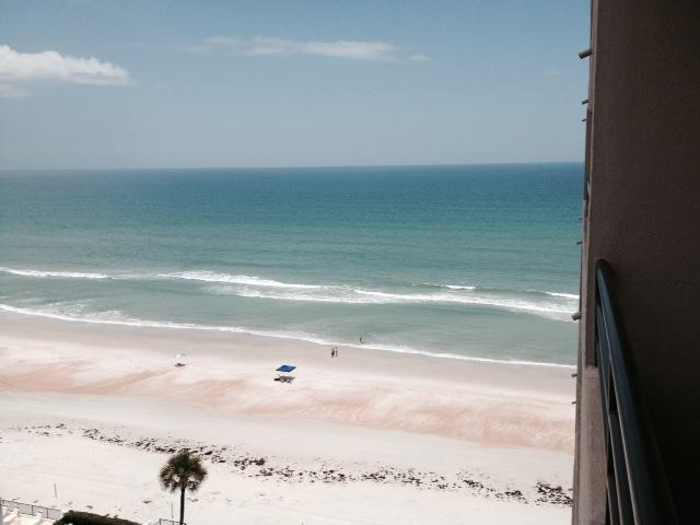 Beautiful Ocean View from the condo - Cozy Fantastic Daytona Beach Shores Condo - Daytona Beach - rentals