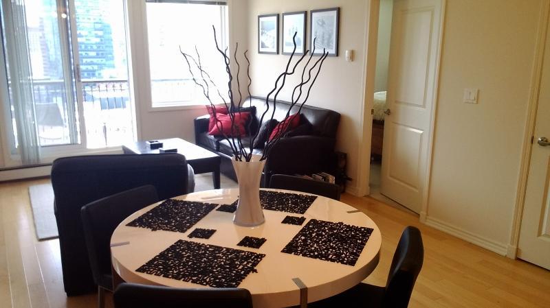Location location location! - Image 1 - Edmonton - rentals