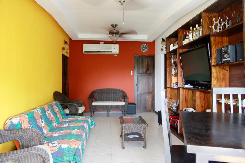 APARTMENT WITH BALCONY & PANORAMIC OCEAN VIEW - Image 1 - Taboga Island - rentals