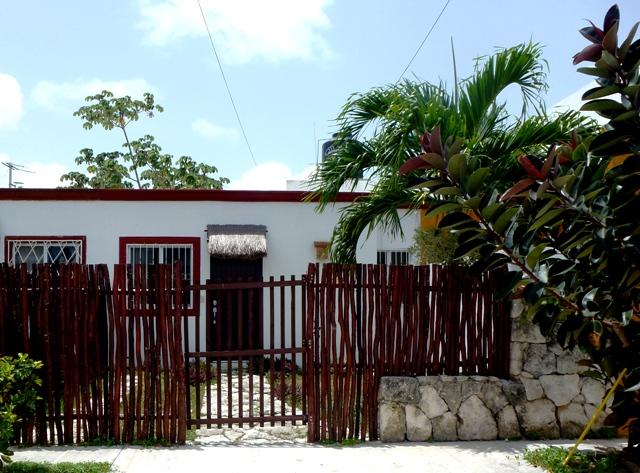 Gated entrance in the friendly neighborhood of Villas Tulum - Casa Lupita - a home for the price of a hotel room - Tulum - rentals