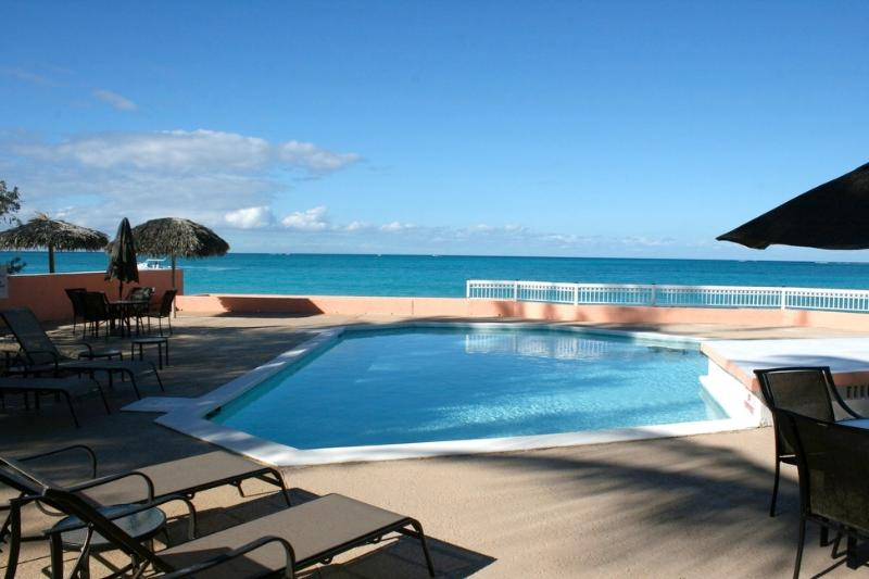 "Pool and ocean close to one another - ""Mystic Ocean"" Condo, Nassau, Bahamas - ocean/pool - Nassau - rentals"