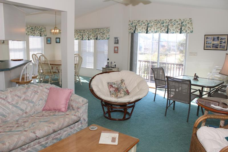 Bright and open floorplan with lots of windows! - Beach Haven in The Keys at Oceanside Village - Surfside Beach - rentals