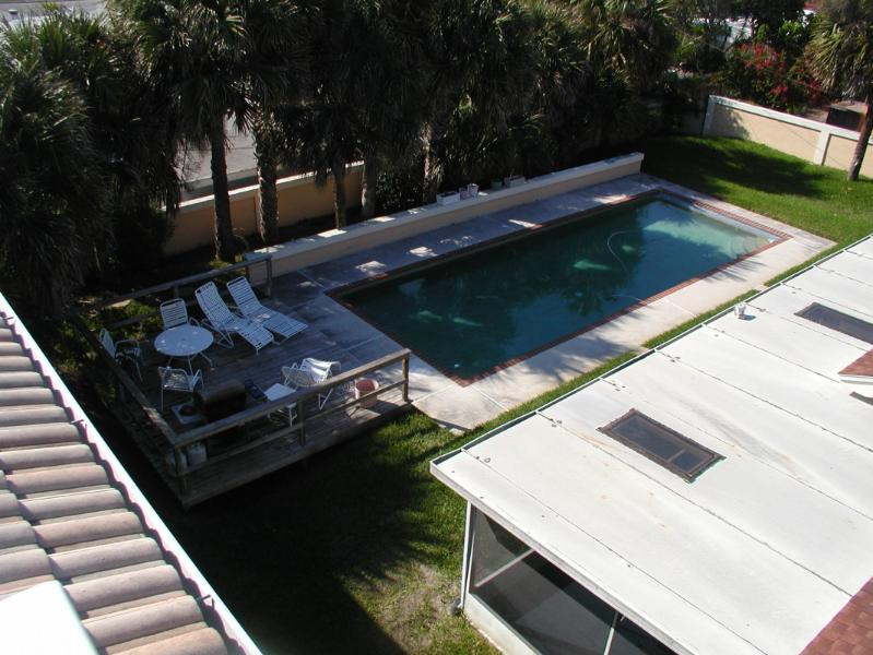 view of the pool - Need to unwind come to Cocoa Beach Retreat - Cocoa Beach - rentals