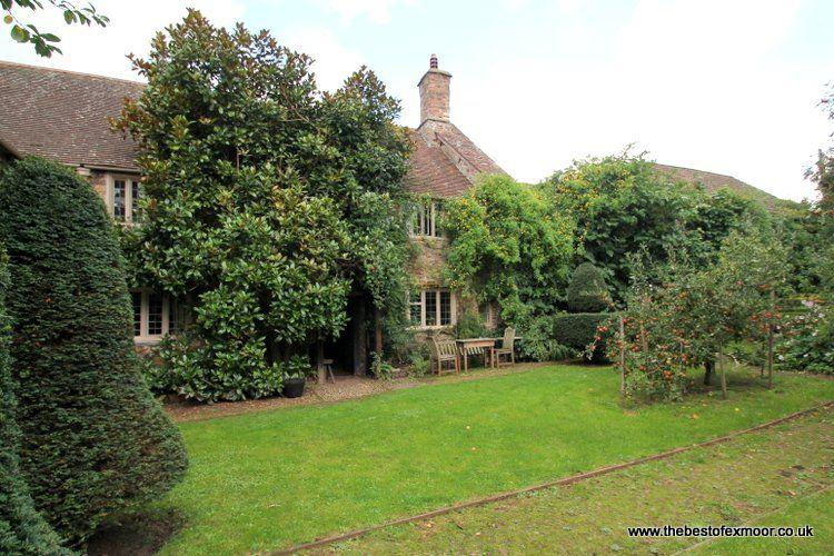 Old Priory Cottage, Dunster - Character cottage in the heart of medieval - Image 1 - Dunster - rentals