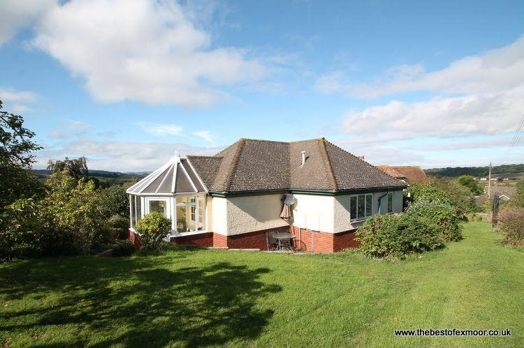 The Pippins, Old Cleeve - Sleeps 2 - Peaceful rural location - Edge of Exmoor - Image 1 - Minehead - rentals