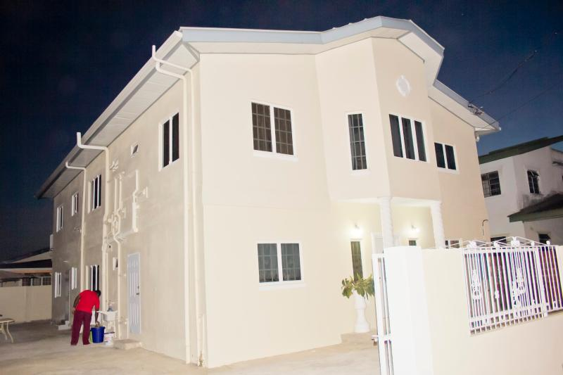 Outside Front View - Cheers!! Sunny Suite - Caroni - rentals