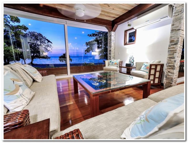 Welcome Home! - Beachfront Paradise Sleeps 10-12 - Roatan - rentals