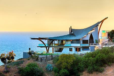 Eagle's Watch - a unique 3-story villa with jacuzzi & fantastic ocean views - Image 1 - Malibu - rentals