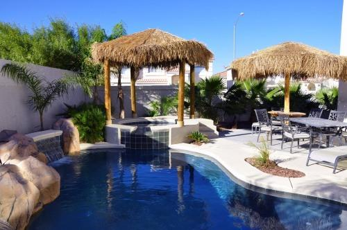 Enjoy our Tropical Pool & SPA - Las Vegas Villa I - 8 mi Strip/Airport, Pool/Spa, - Las Vegas - rentals