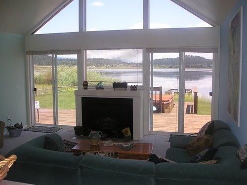 Living Room - Lakefront House w HotTub, Deck, BoatDock & VIEWS! - Pagosa Springs - rentals