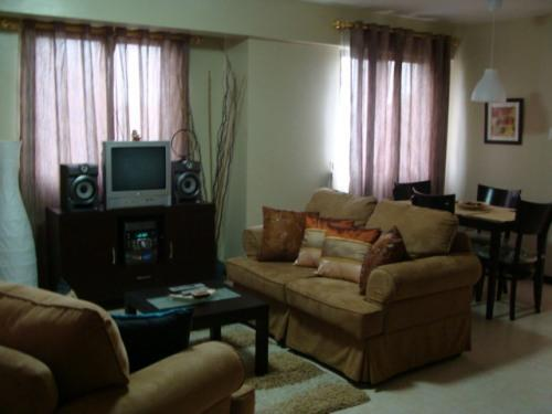 Living Room - Nice and Pleasant Condo with Balcony - Manila - rentals