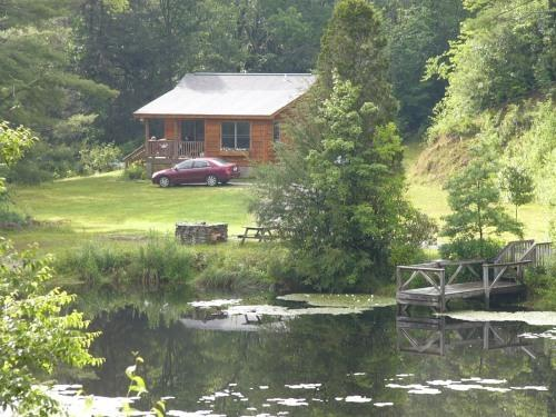 cottage by the pond - Image 1 - Blowing Rock - rentals