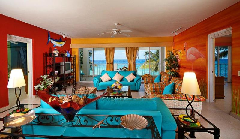 Artistic and lovely Las Brisas 101 - Image 1 - Cozumel - rentals