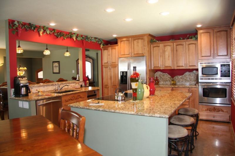 Chef's Kitchen (Main Floor) - AMAZING Home Redesigned with YOU in Mind! sleeps12 - Scottsdale - rentals