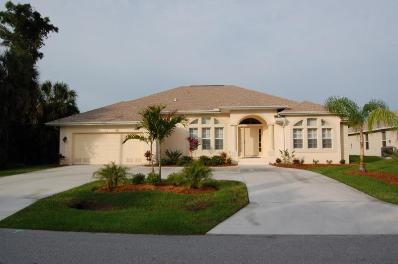 Spacious Villa Sleeps 8 - Spacious Gulf Coast Villa with Larger Pool / Spa - Rotonda West - rentals