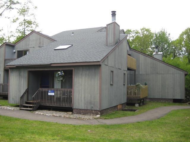 Black Bear Lodge - SKI LODGE ADJACENT TO CAMELBACK TANNERSVILLE - Tannersville - rentals