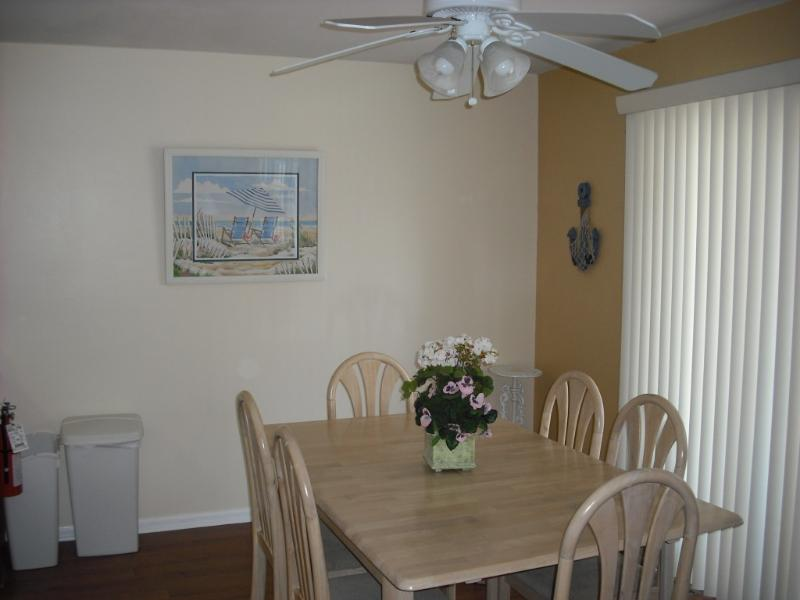 Kitchen- Eating area - Vacation at Wildwood Crest - Diamond Beach - rentals