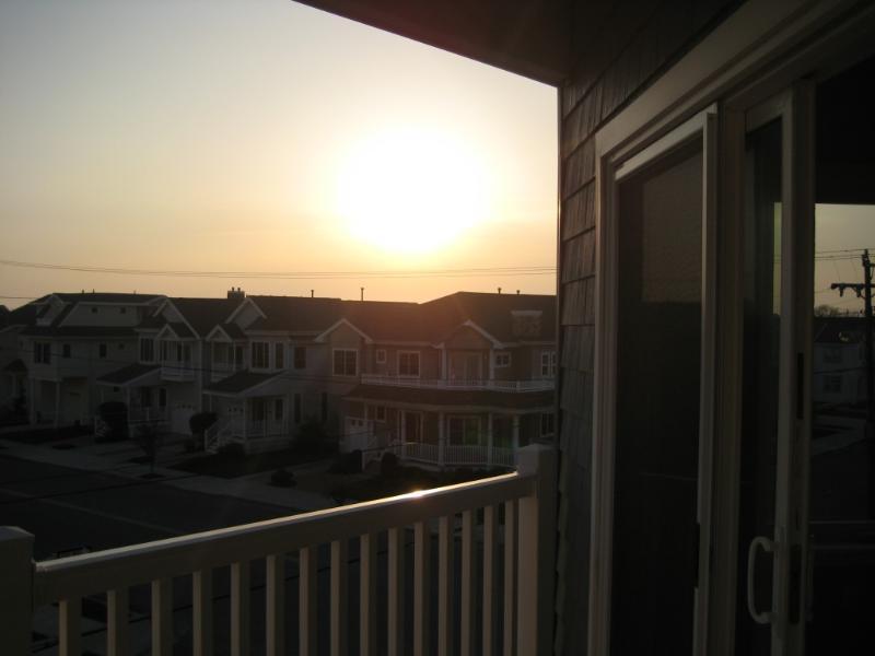 Breathtaking Sunsets - 3 BR Condo, Elevator, Pool, Views!! - Wildwood Crest - rentals