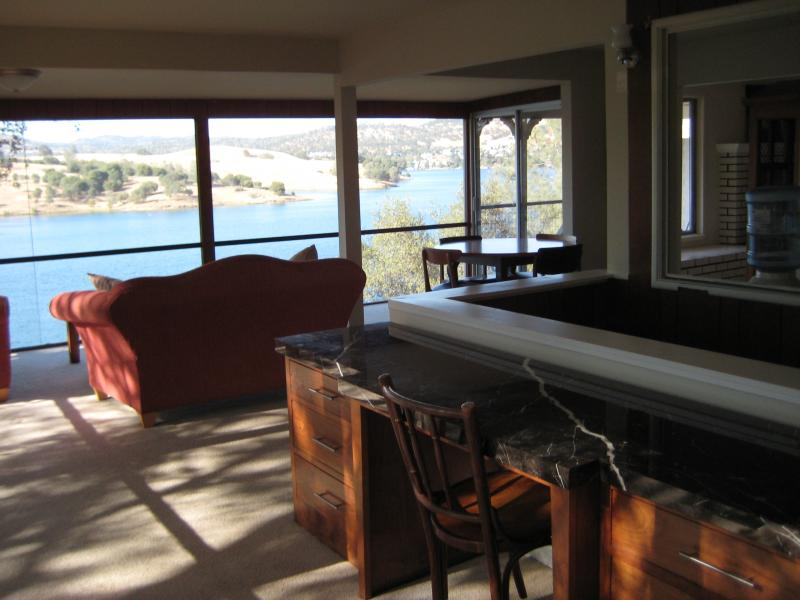 Amazing Lake front home with views & private dock - Image 1 - Jamestown - rentals