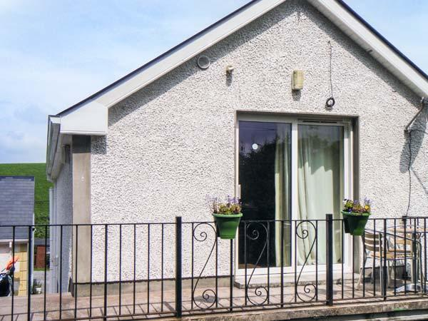 WILLOWTREE LODGE APARTMENT, welcoming property, open plan living area, garden, near Rossnowlagh, Ref 19589 - Image 1 - Rossnowlagh - rentals