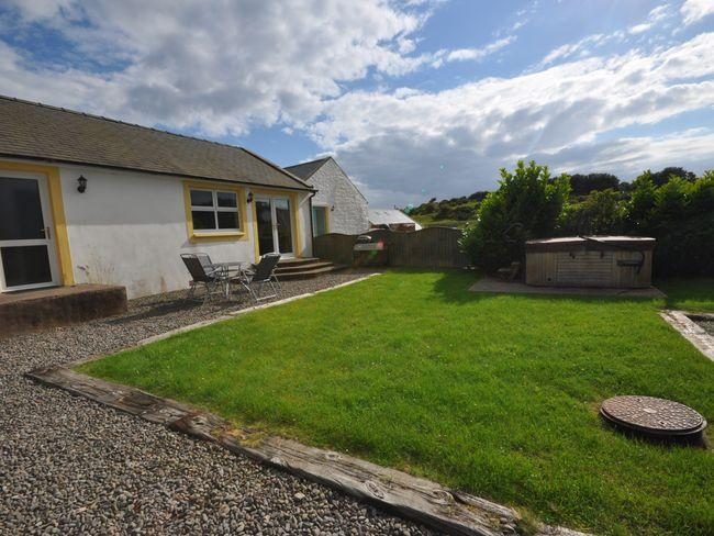 View to the property and hot tub - HEREC - Kippford - rentals