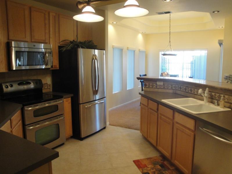 Kitchen - Fabulous Ground level condo w/Heated communitypool - Scottsdale - rentals
