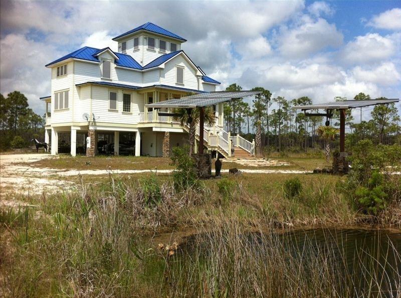 Award Winning Discover House! - Image 1 - Carrabelle - rentals