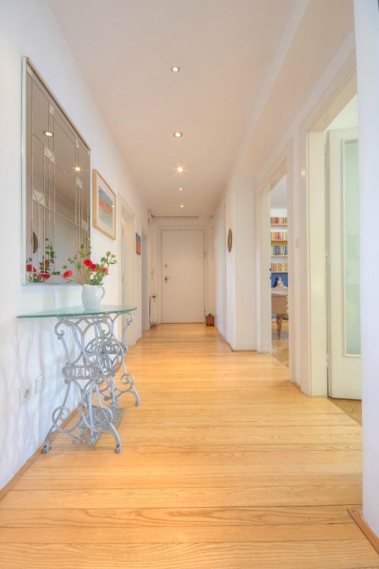 Oakwood plank flooring in the hallway continues into the kitchen - 3-Bedroom Vrtača - Fine Ljubljana Apartments - Ljubljana - rentals