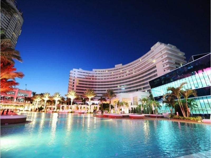 Luxury Junior Suite in Exciting Oceanfront - Image 1 - Miami Beach - rentals