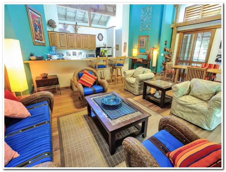 Welcome Home! - Casa Capricorn - sleeps 4 - Roatan - rentals