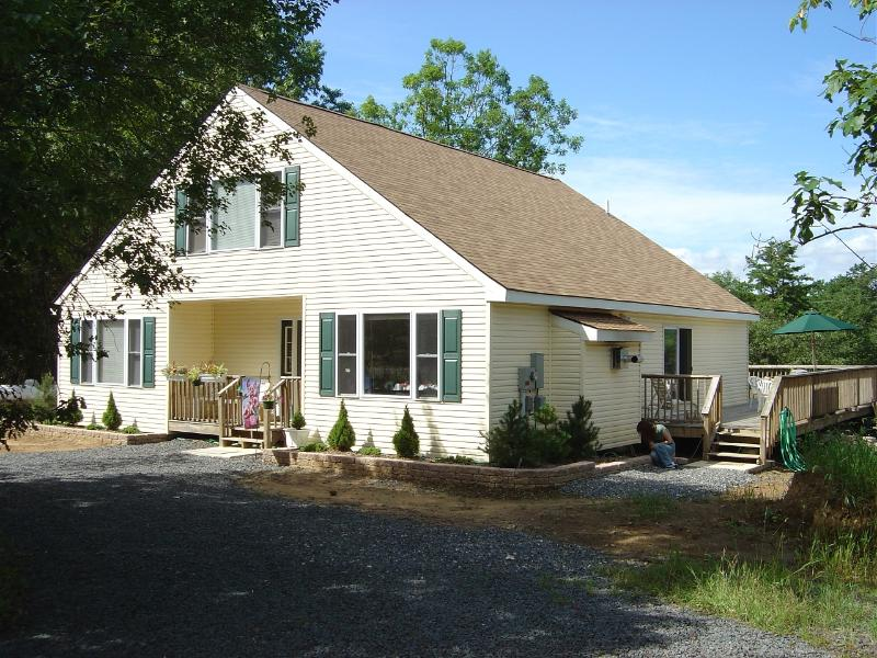 Summer is almost here, come relax in the Pocono's - Image 1 - Albrightsville - rentals