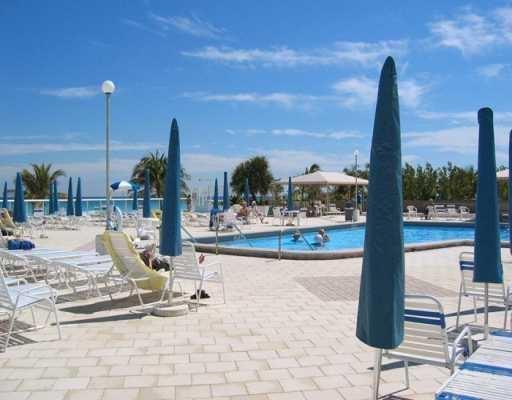 Pool area, direct access to ocean beach - OCEAN BEACH FRONT FULL SERVICE BUILDING - Hallandale - rentals