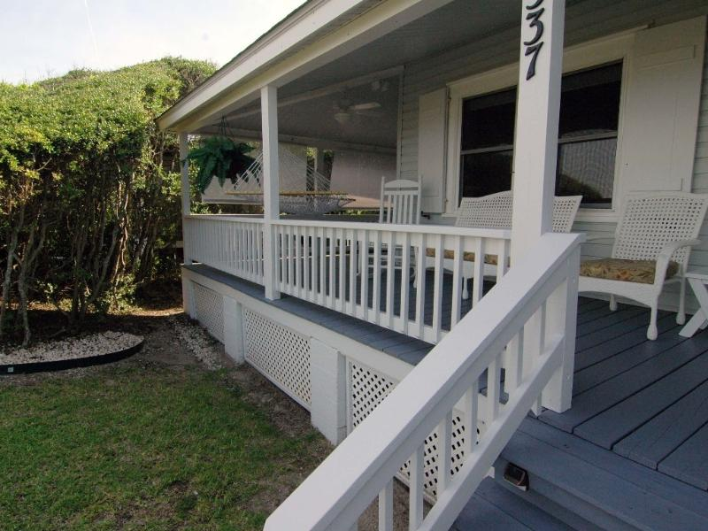 MoonSpinner Cottage- Huge Seaside Porch, Oceanfront-Amazing Location - Image 1 - Kure Beach - rentals