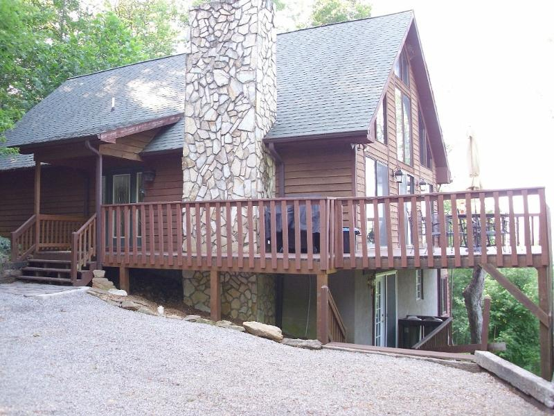 Hidden Gem, luxury in the mountains - Spacious Smoky Mountain Chalet - Franklin - rentals
