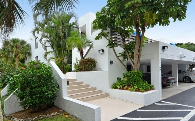 Outside of 843 bayport - Updated condo in serene setting  beach and bay - Longboat Key - rentals