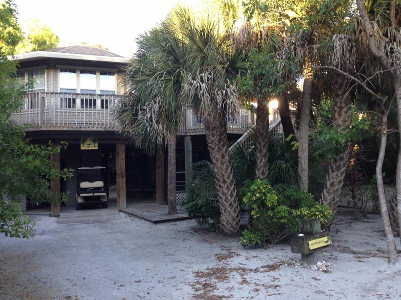 The Lazy Lizard - Your Tropical Island Vacation Destination - North Captiva Island - rentals