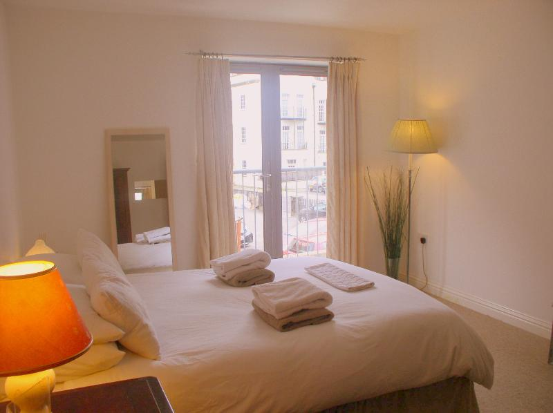 Light and airy - Pembroke Court - Bristol - rentals