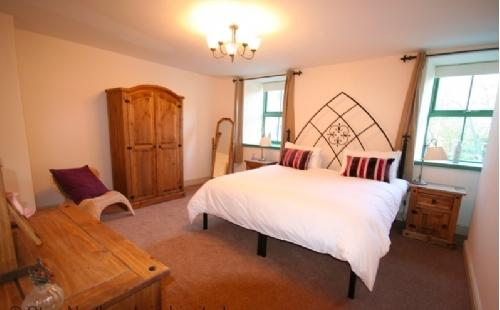 Master ensuite bedroom, can be SK double or twin on request. - Millkeeper's Cottage - Bamburgh - rentals