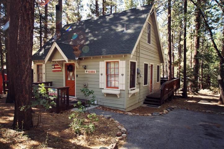 Acorn Cottage - Image 1 - Big Bear Lake - rentals