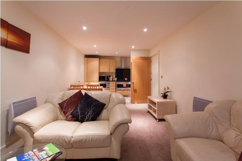 Splendid MoLi St George Wharf 2 bedroom Apt - Image 1 - London - rentals