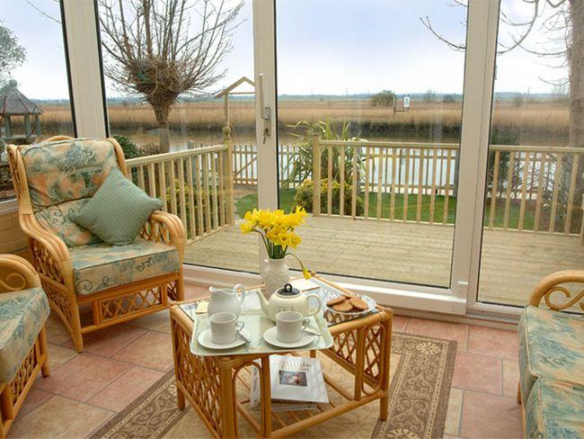 Conservatory over looking the river - TCON8 - Reedham - rentals