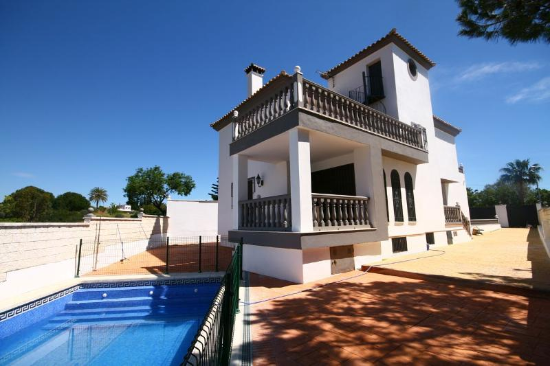 1357 - 4 bed villa, Ricmar, Marbella - Image 1 - Marbella - rentals