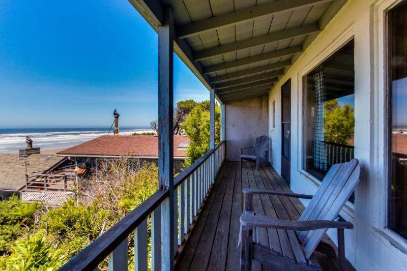 Dog-friendly, waterfront cottage w/Pacific views & cozy features! - Image 1 - Waldport - rentals