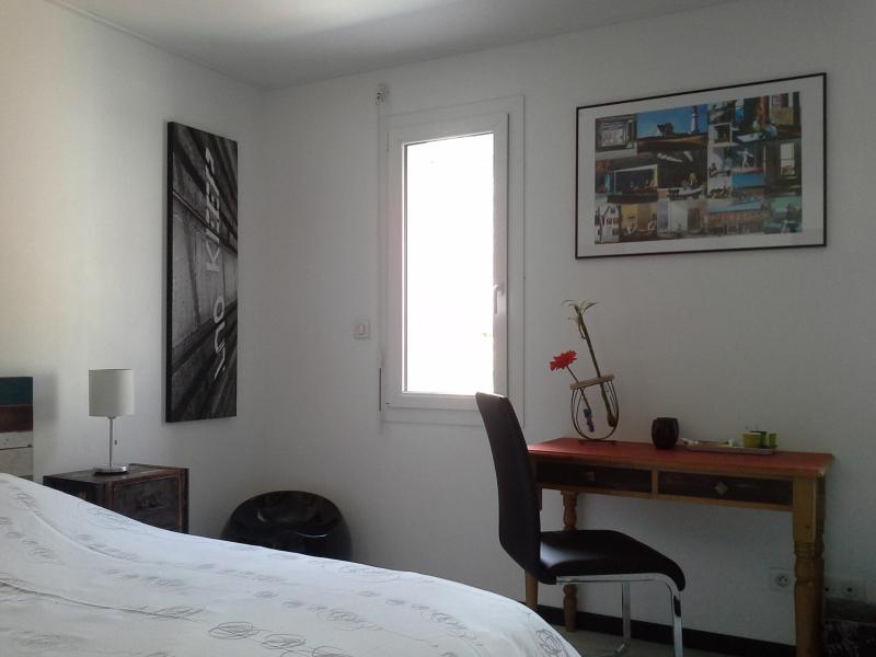 bedroom with private shower - the escapade: contemporary house room with shower - Tourlaville - rentals