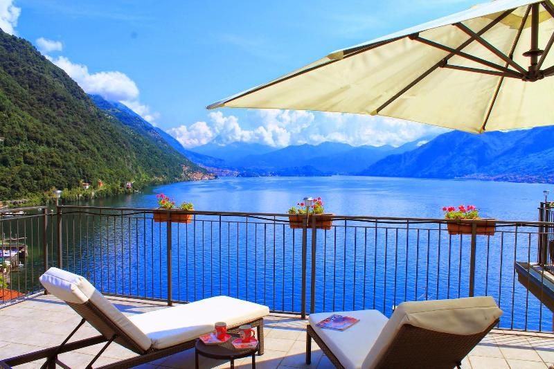 2 Bedroom lakeside penthouse apartment - Image 1 - Argegno - rentals