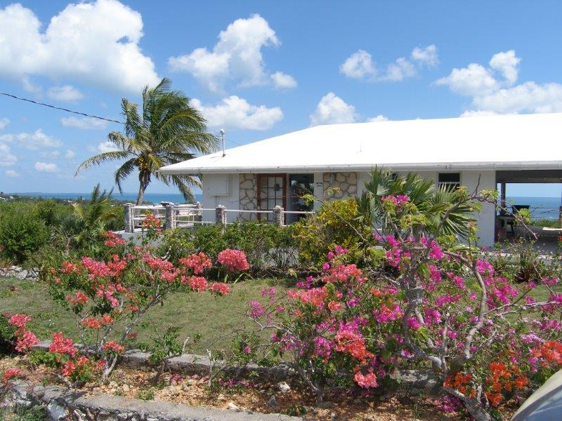 View from the road - Charming Villa with Awesome Sea to Sea Views - Eleuthera - rentals