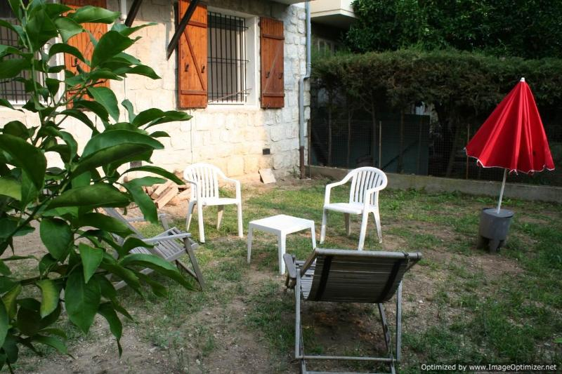 private garden for the exclusive use of tenants - Villa with Large Garden, in the Best Quarter of Nice - Nice - rentals