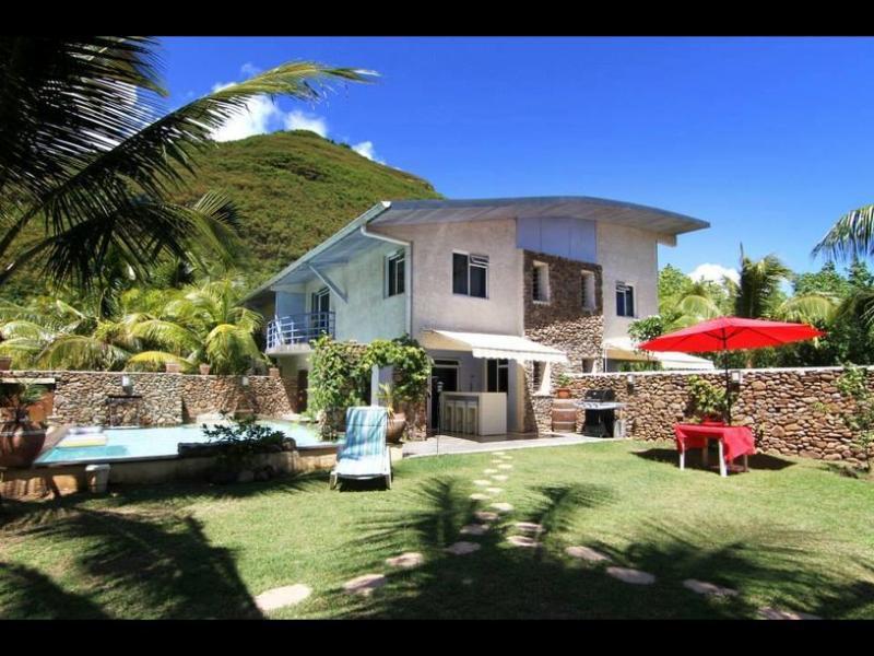 Résidence Les Cocotiers - Moorea - Image 1 - Cook's  Bay - rentals