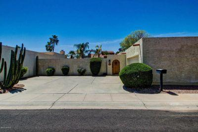 Front of house - Courtyard Home in Prime Scottsdale Location - Scottsdale - rentals